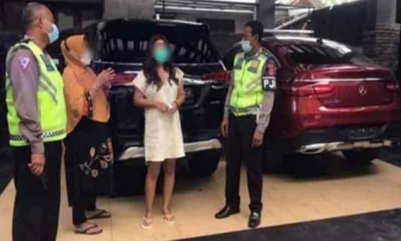 [ Viral ] Mobil Mercedes Benz DK 89 YP Yang Mengalangi Damkar, Ini Identitsanya