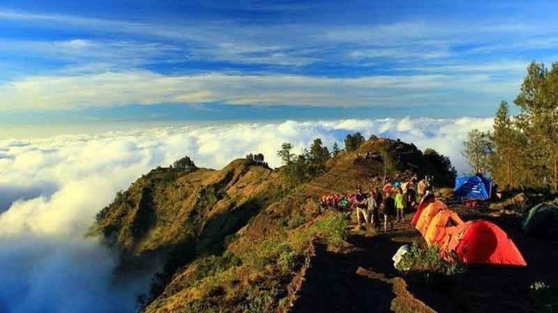 Trekking Gunung Rinjani Buka Lagi, Ini Syarat dan Kuota Pendakian