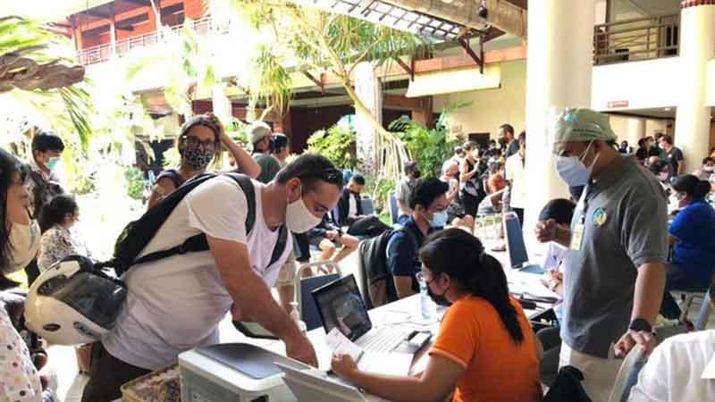 Warga Asing di Bali Target Suntik Vaksin Covid-19, Ini Syaratnya
