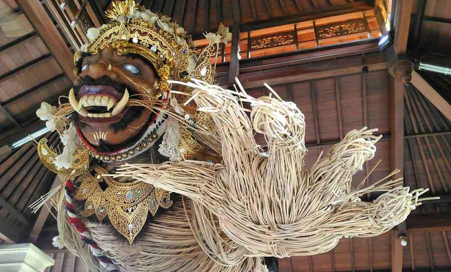 10 Kesenian Tradisional Bali Yang Jarang Diminati di Jaman Milenial