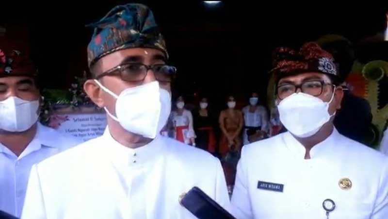 Walikota Denpasar Instruksikan Menunda Pembayaran Uang Seragam