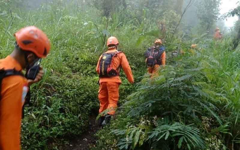 Kelelahan Naik Gunung Agung, Pendaki asal Jakarta di evakuasi