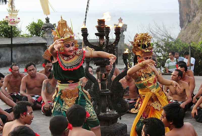 Tari Kecak Bali - Sejarah, Makna dan Filosofi yang Perlu diketahui